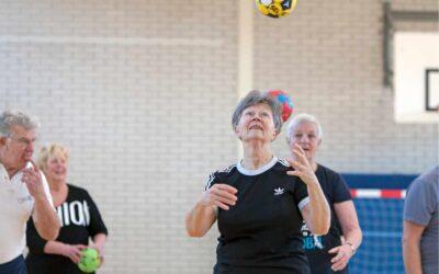 'Tachos viert 65 jarig bestaan en start met Walking Handball. Ontmoeten, meedoen én  bewegen voor 55+ers'
